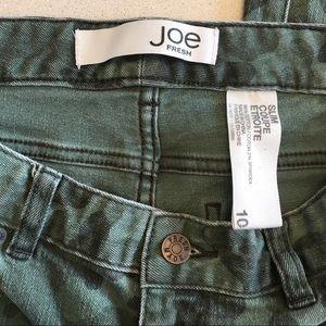 Joe Fresh Jeans - OUTFIT! Joe Fresh Camo Green Slim Jeans and Tee!